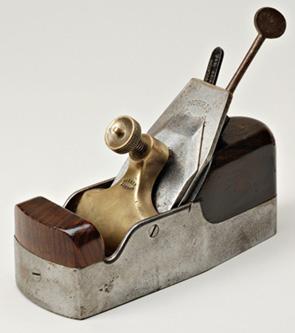 les outils anciens travailler le bois site officiel. Black Bedroom Furniture Sets. Home Design Ideas